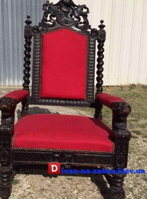 Кресла под антиквариат красное из дерева