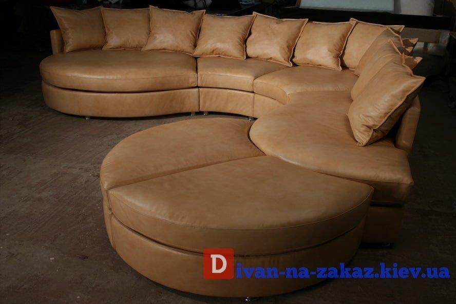 круглый модульный диван с мобильным приставным пуфикм