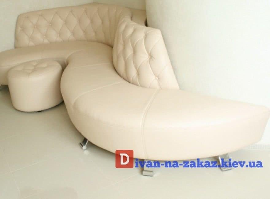 радиусный диван с пуфом