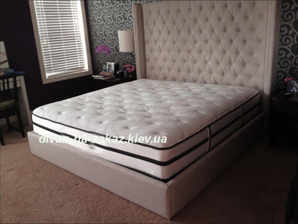 кровать с большим изголовье на заказ с перетяжкой