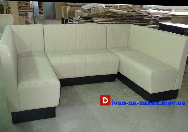 модульный белый диван честер в ресторан