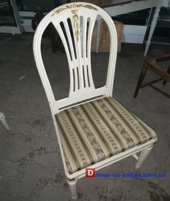 античный стул