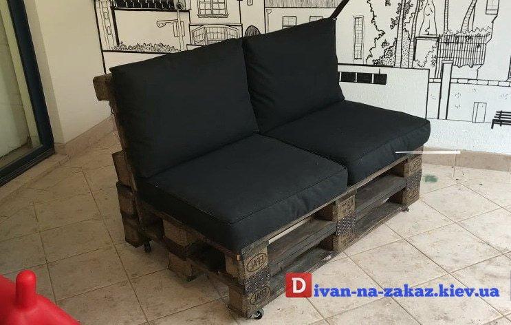 прямой диван из поддонов